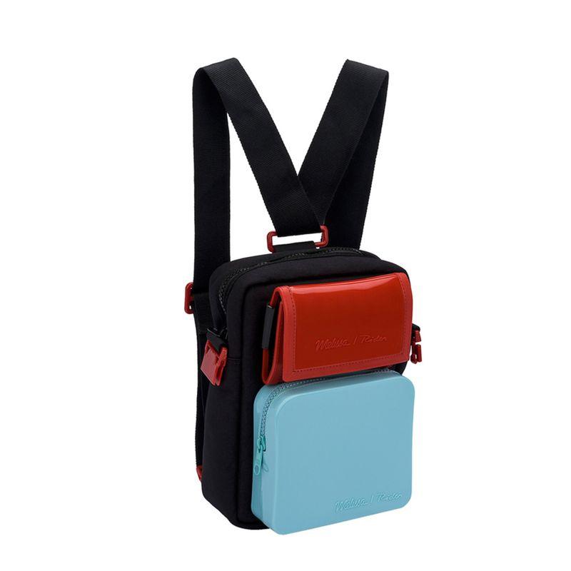 34219-Melissa-Max-Bag-Rider-Pretoazulvermelho-Variacao2