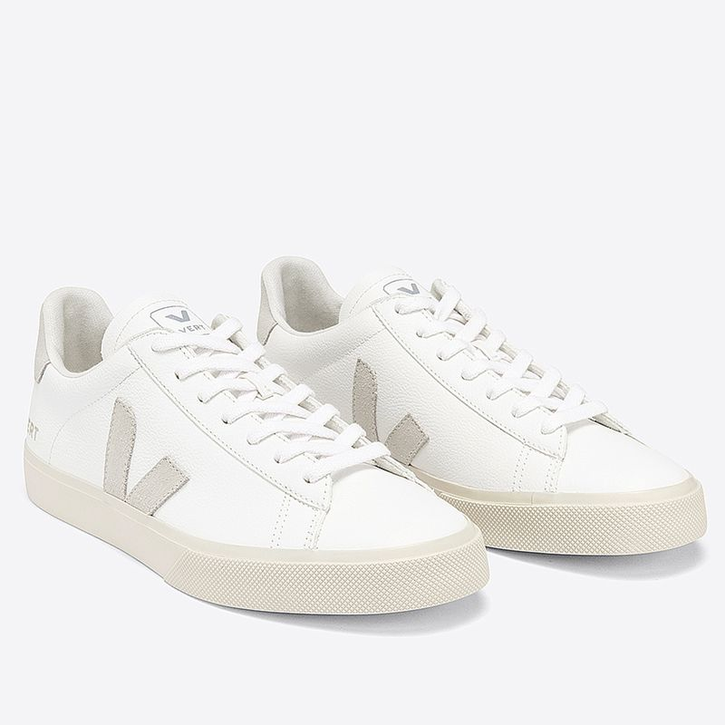 CP052429A-Tenis-Vert-Campo-Chromefree-Extra-White-Natural-Suede-variacao2